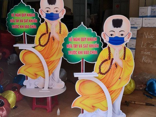 Ma nơ canh chú tiểu y tá nhắc nhở mọi người rửa tay diệt khuẩn 0935447749